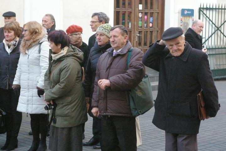 Ś. P. Zygmunt Duda (1. z prawej) wśród grupy uczestników Dnia Wielkopolski 2016. Foto. J. Kulm