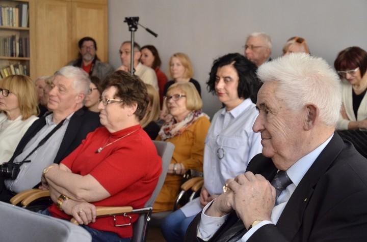 Spotkanie wspomnieniowe o I.Mosiu - na pierwszym planie prezydent Andrzej Wituski