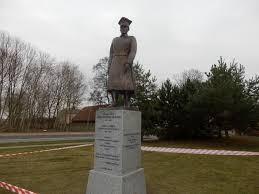 Pomnik generała Józefa Dowbora Muśnickiego w Lusowie